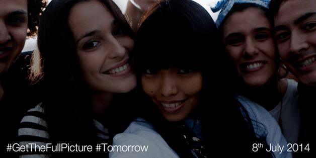 Xperia Selfie Phone 640x320