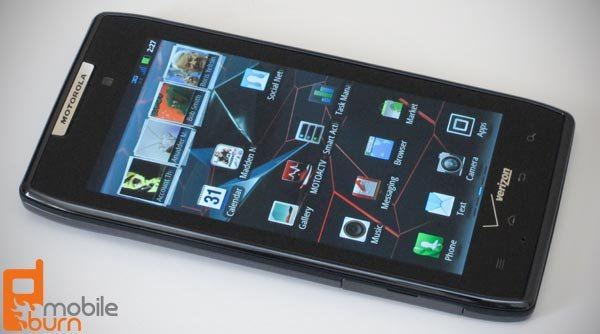 Hands - On Unboxing Motorola RAZR