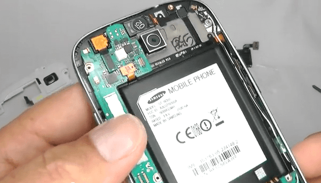 [Video] Disassembling the Galaxy S3, Tiny Piece by Tiny Piece