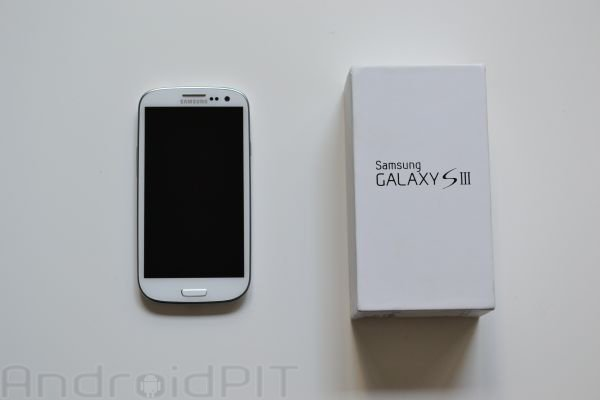 hands on samsung galaxy s3