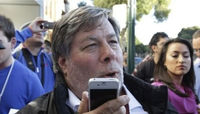 Updated: Apple's CoFounder Prefers Using Android Over iPhone..Kinda
