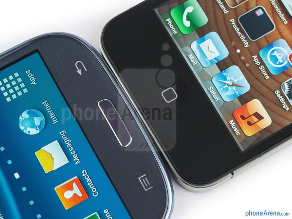 confronto galaxy s3 e iphone 4 s