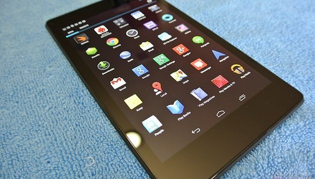 Nexus 7 2, già nelle mani di un fortunato: specifiche test e video