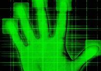 Dal Giappone lo sblocco del telefono con l'impronta della mano