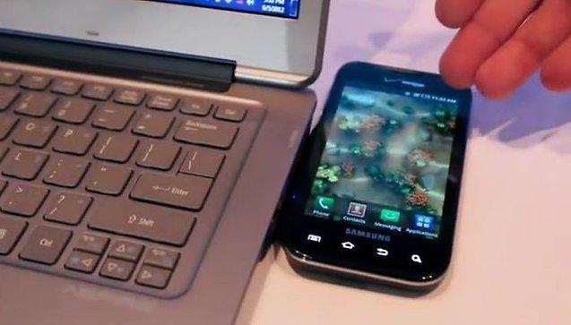 Ricarica wireless lo smarphone con l'Ultrabook di Intel