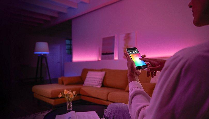 Philips Hue Deals: Außen-Bewegungssensor und White&Color Ambiance für je unter 50 Euro