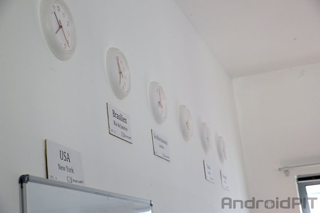 luhu praktikum clocks