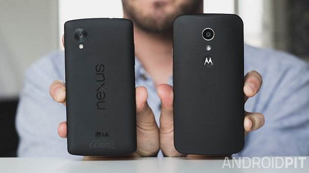 MotoG vs Nexus5 backs