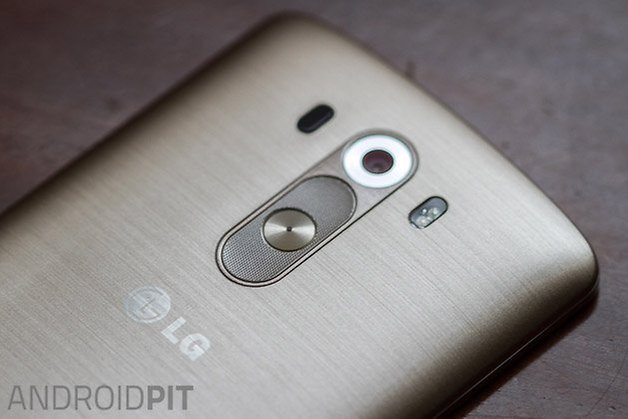 lg g3 hands on back