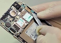 AndroidPIT visits a Repair Shop: what's inside of the Galaxy S4