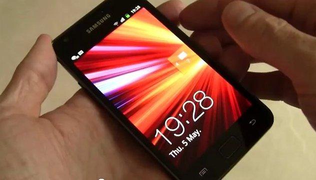 [Videos] Samsung Galaxy S2 wird ausgepackt und unter die Lupe genommen