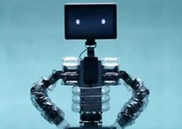 Corazón de Galaxy S2 y cabeza de Galaxy Tab: Un robot nos muestra el espíritu de la Navidad