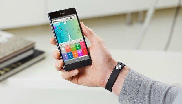 Sony SmartBand and Lifelog app propel Sony into wearable market