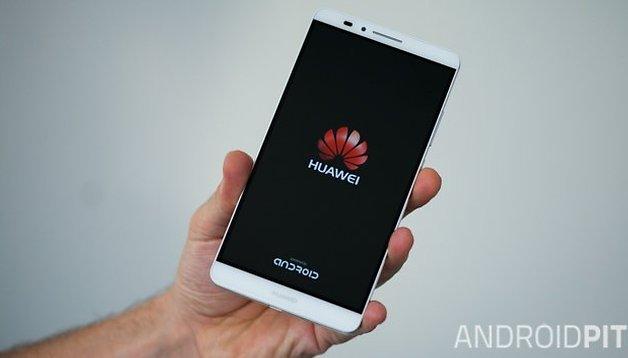 Le Huawei Mate 7 Compact pourrait bien être la petite perle du MWC 2015