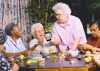 HTC: iPhones Are For Old Folks