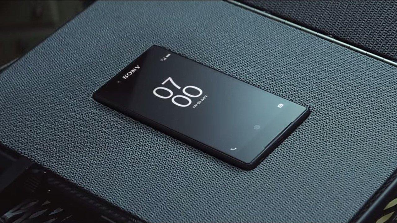 james bond choisit le sony xperia z5 malgr la pol mique. Black Bedroom Furniture Sets. Home Design Ideas