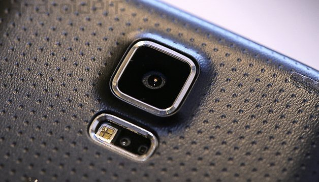 Samsung reveals reason for plastic over metal for the S5