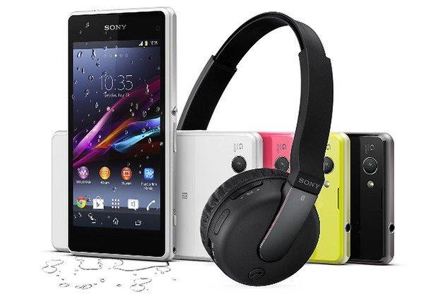 xperia z1 compact headphones teaser