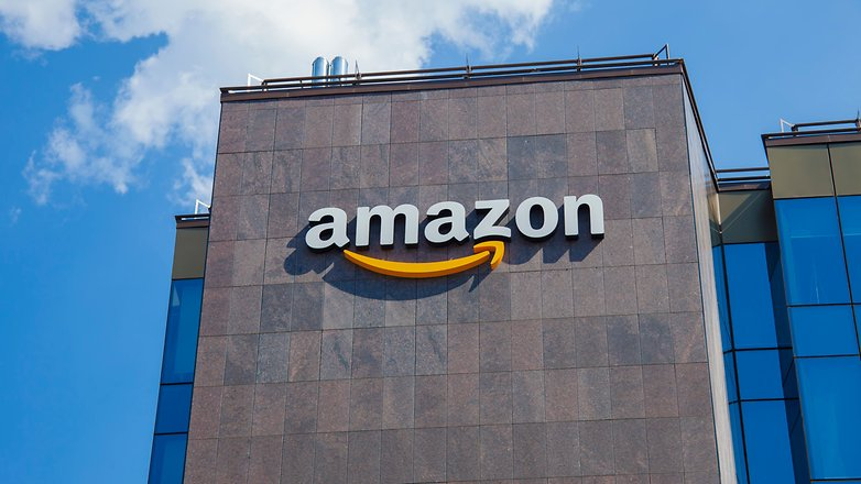Amazon uses AI to track and fire its warehouse workers