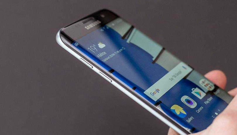 Samsung poderia acabar de vez com a tela plana na linha Galaxy S