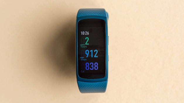 Samsung Gear Fit2 recensione, samsung gear fit2 display, samsung gear fit2 schermo,