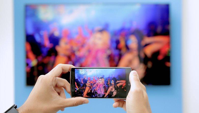 So einfach verbindet Ihr Euer Smartphone mit dem Fernseher