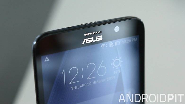 test du asus zenfone 2 ze551ml le haut de gamme prix. Black Bedroom Furniture Sets. Home Design Ideas