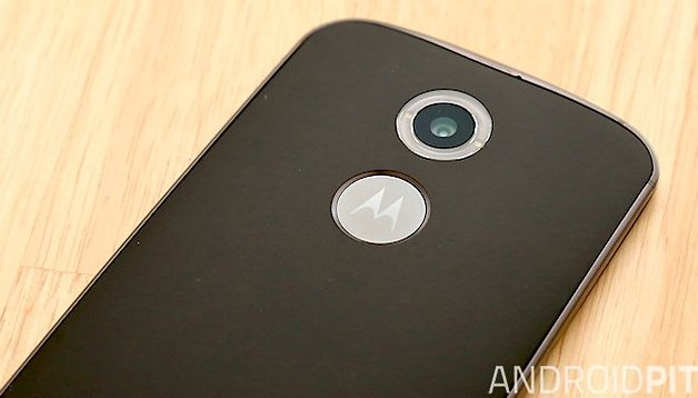 How to take a screenshot on a Moto X (2014)