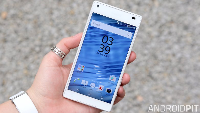 sony xperia z5 compact front display