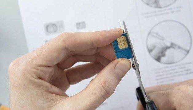 Cómo cortar tu tarjeta SIM a MicroSIM - Vídeo tutorial