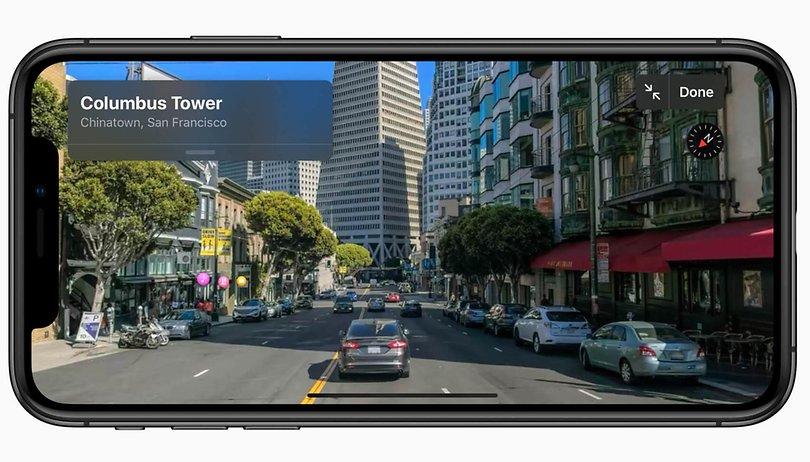 Apple Karten: Apple schickt Menschen mit einem auffälligen Accessoire auf die Straße