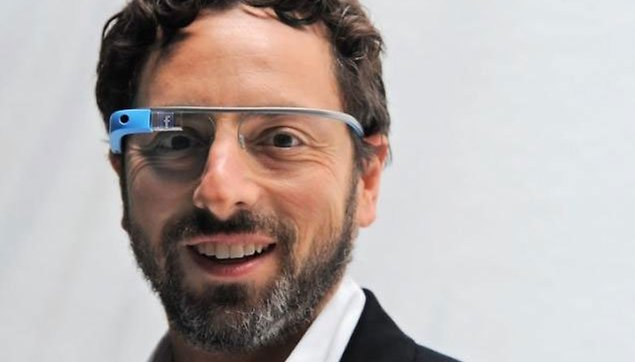 Facebook arrives to Google Glass, well, sort of.