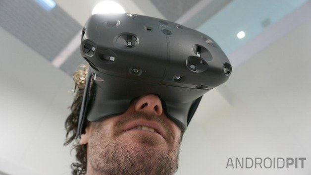 AndroidPIT HTC Vive VR headset under view wearing