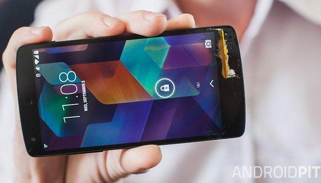 Free Nexus 5 screen replacement and Nexus 5 deals in the