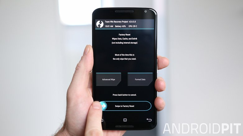 AndroidPIT Nexus 6 TWRP Recovery factory reset confirm