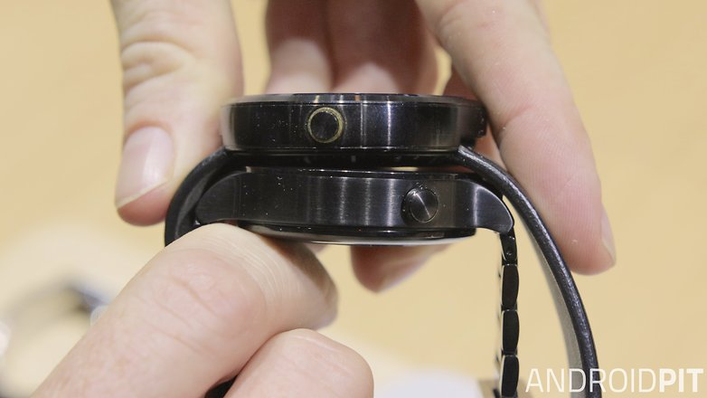 AndroidPIT Huawei Watch Moto 360 thickness comparison
