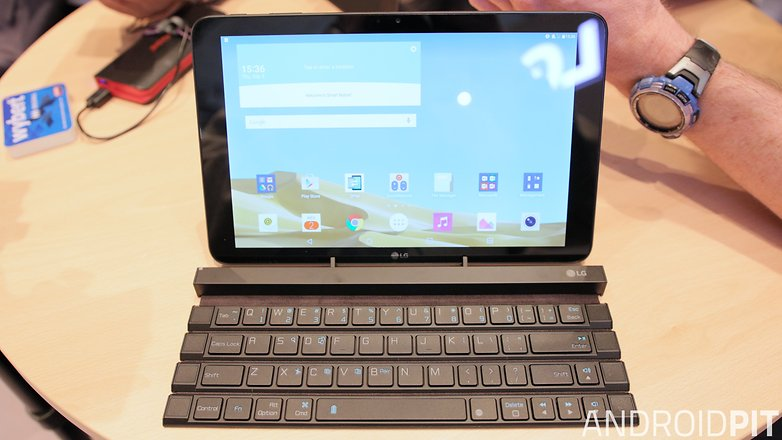 AndroidPIT LG Rolly keyboard with tablet
