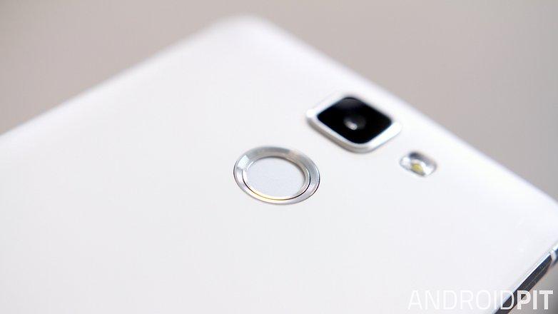 AndroidPIT Mlais M7 finger scanner