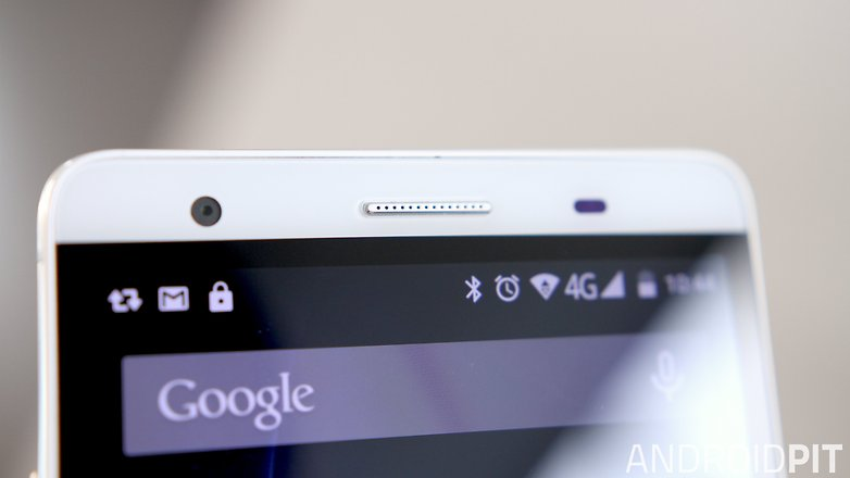 AndroidPIT Mlais M7 front sensor detail