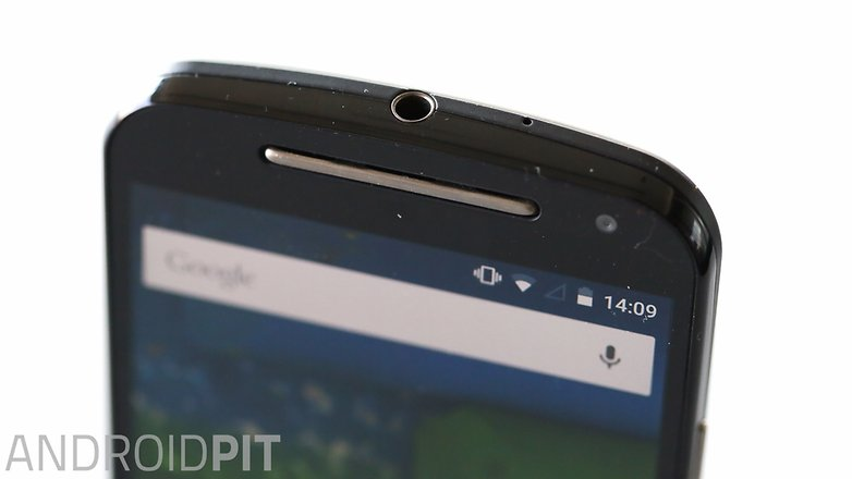 AndroidPIT Moto G 2014 Lollipop top speaker detail