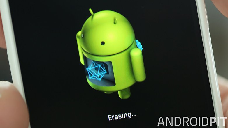 AndroidPIT Moto X erasing closeup