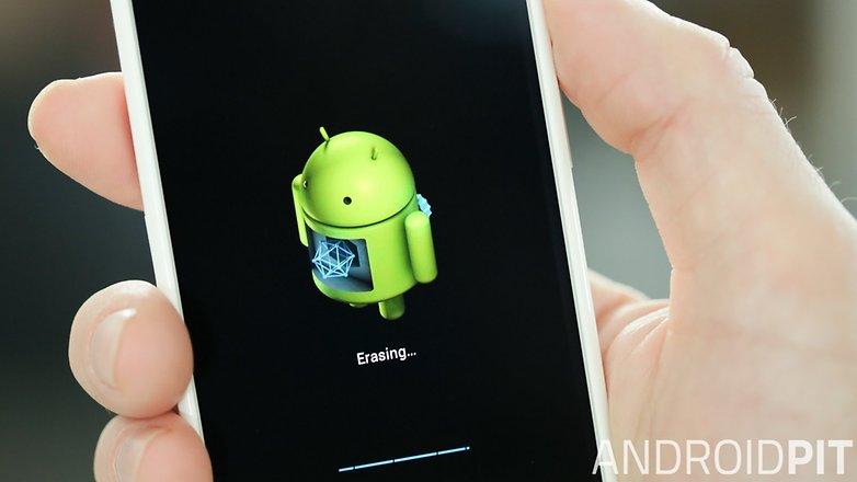 AndroidPIT Moto X hero erasing