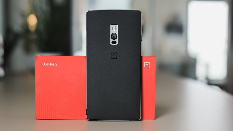 AndroidPIT OnePlus 2 box phone back