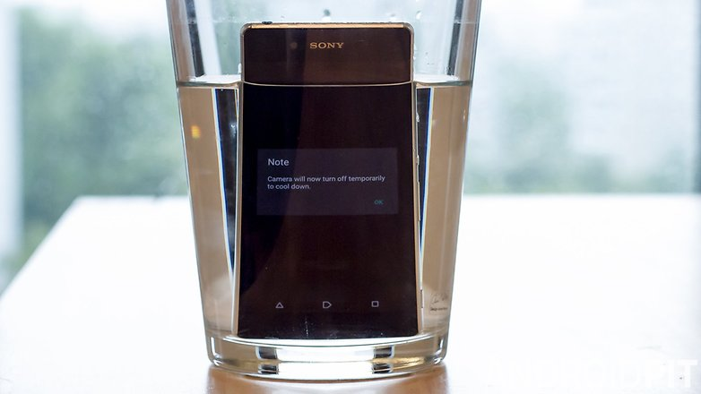 AndroidPIT Sony Xperia Z3 plus water