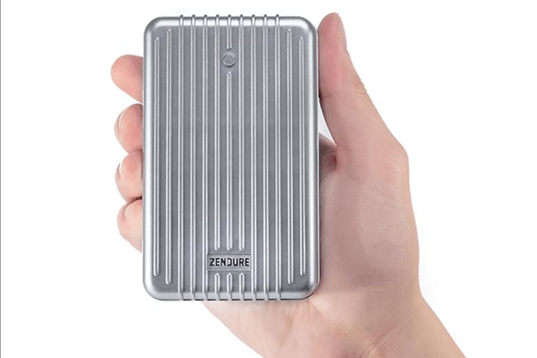 AndroidPIT Zendure A8 Pro external battery size