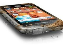 How to clean your smartphone and protect it from dirt
