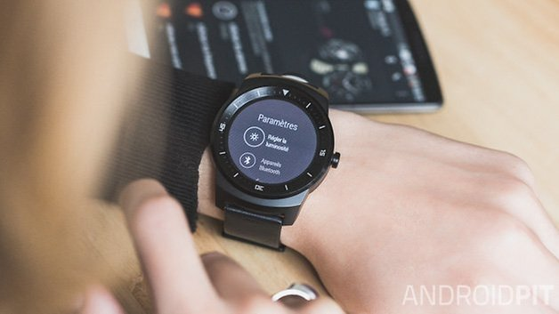 LG G Watch R fr 3