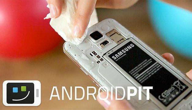 [Vidéo] Test waterproof du Samsung Galaxy S5