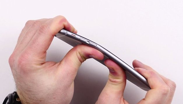 Samsung distrugge Apple con un video sfottò sull'iPhone 6