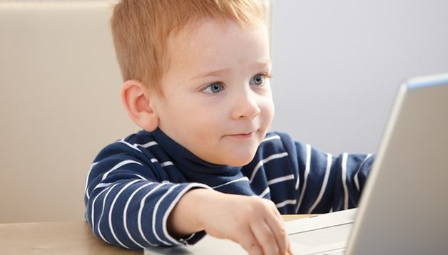 Limiter le temps devant un écran améliore la santé de vos enfants
